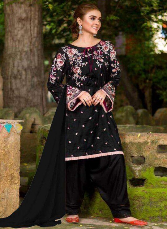Black Cambric Cotton  Punjabi Style Suit Monochrome By Kilruba SC018287